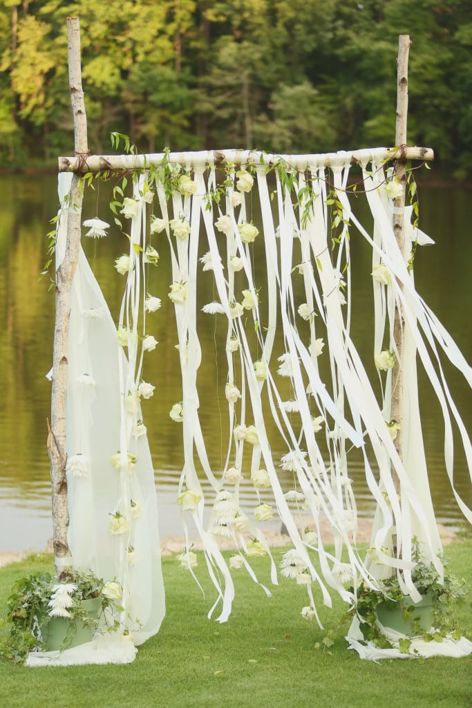 aldridge gardens, j.woodbery, decor to adore, becky's brides, ribbon alter
