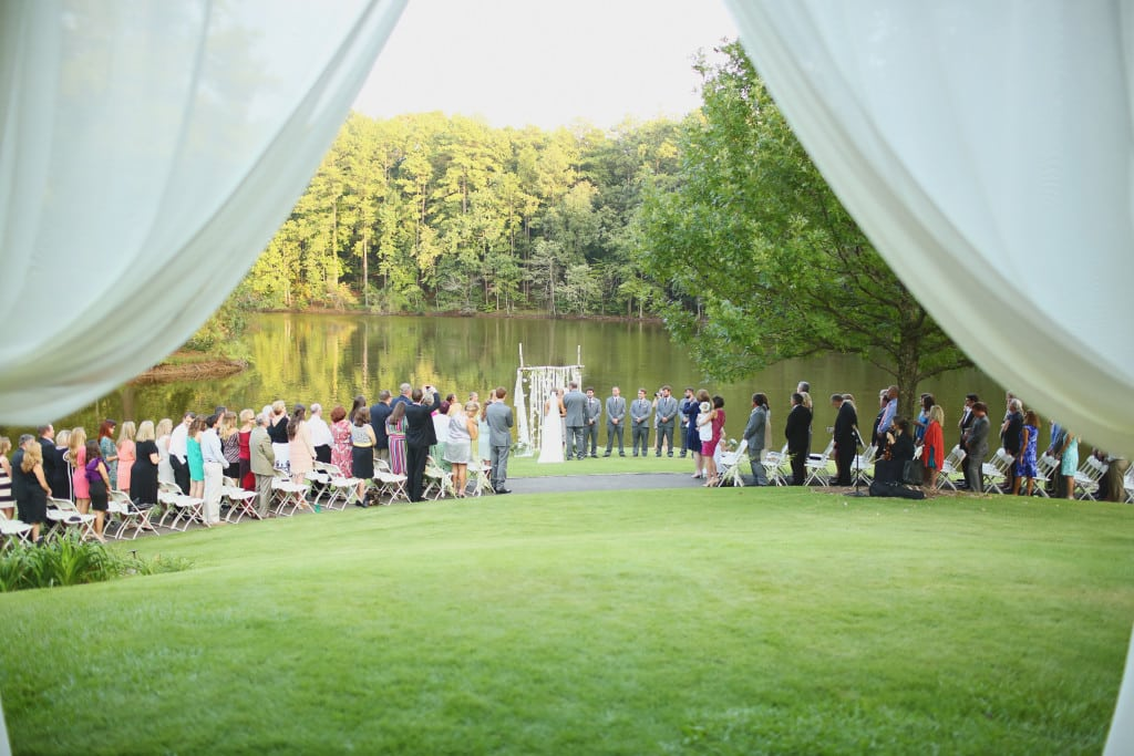 aldridge gardens, j.woodbery, decor to adore, becky's brides, lake side ceremony