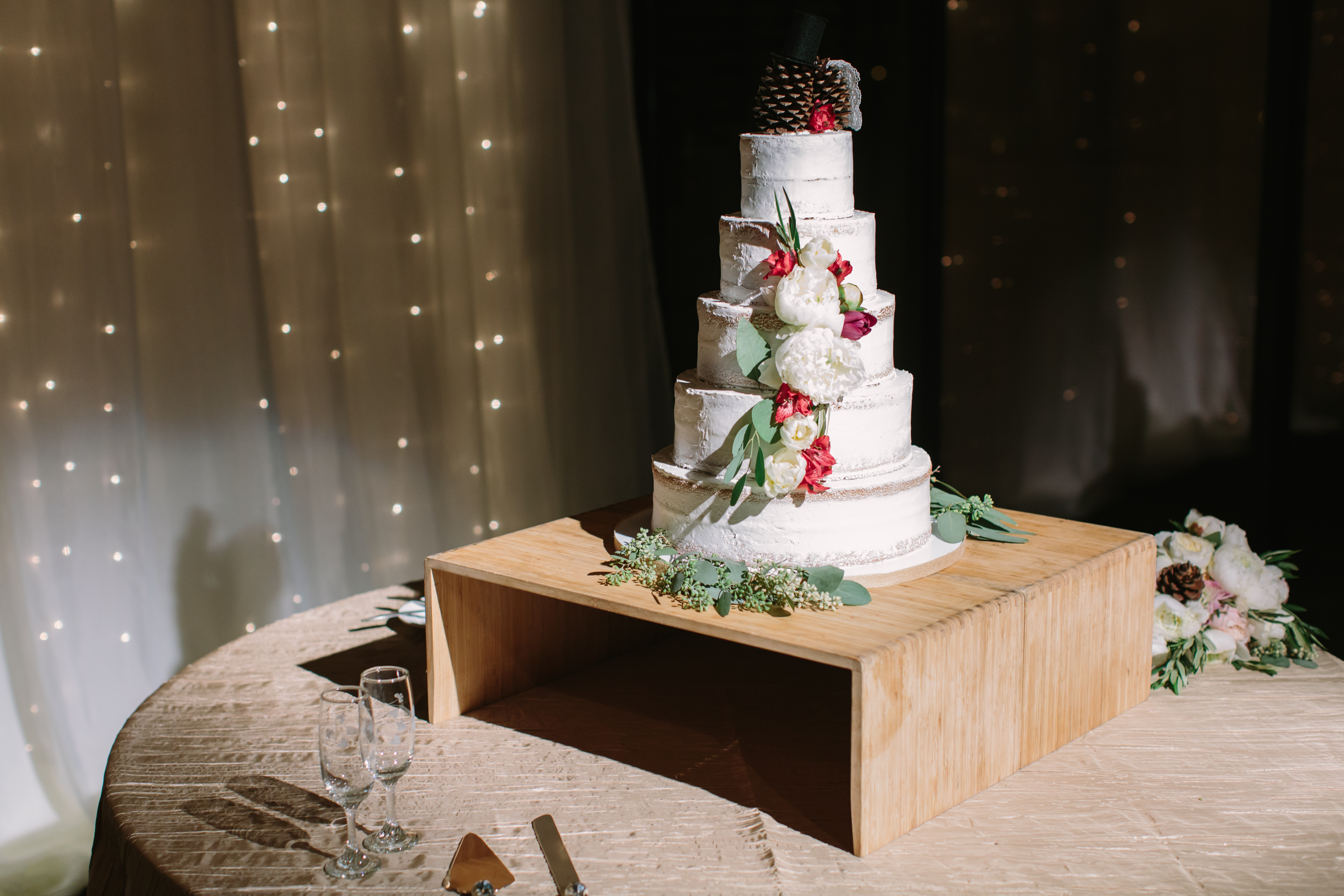 cake table crinkle