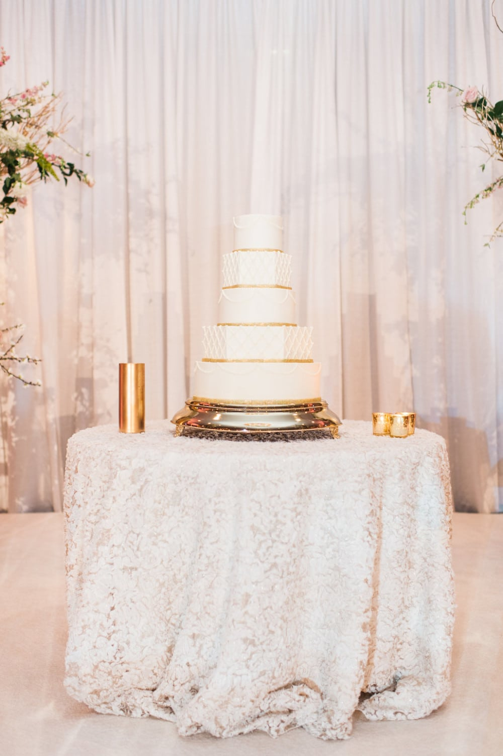 wedding cake table linens cake table linens decor to adore 26193